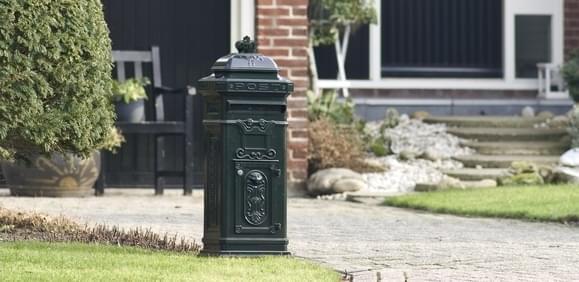 brievenbus pilaar kolom zuil